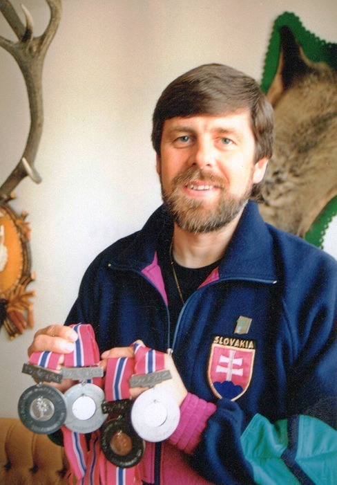 Jozef Miština s medailami